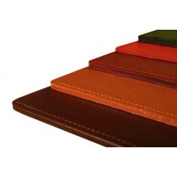 Moyen sous main rigide en cuir personnalisable