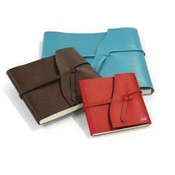Carnet de voyages mini format en cuir personnalisable