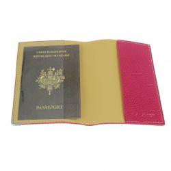 "Etui-passeport en cuir ""Les Modernes"" fuchsia 2"